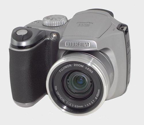 Test aparatu fujifilm s5700 for Fujifilm finepix s5700 prix