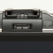 Olympus E-P3 - Budowa, jakość wykonania i funkcjonalność