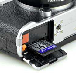 Fujifilm X-M1 - Budowa, jakość wykonania i funkcjonalność